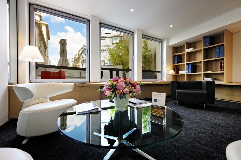 Salle de réunion avec salon