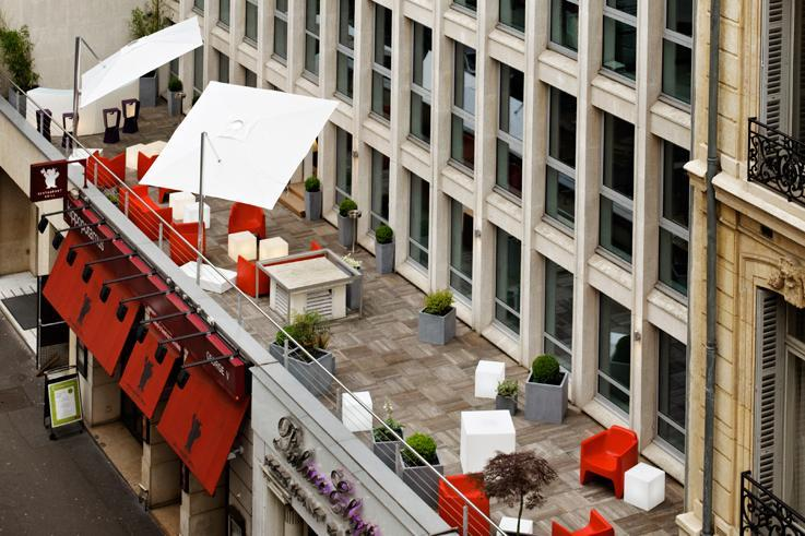 Rent offices with a terrace in Paris